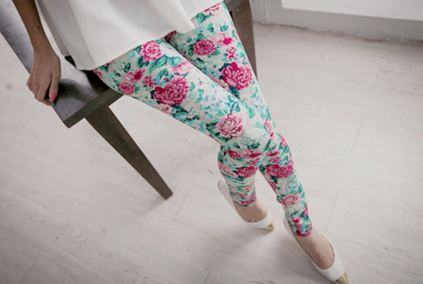 jeans i like this clother so much pants floral flowers pastel vintage girly pink green colorful outfit idea cute jeggings cuute