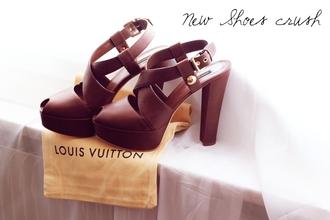 shoes louis vuitton kayture sandales brown