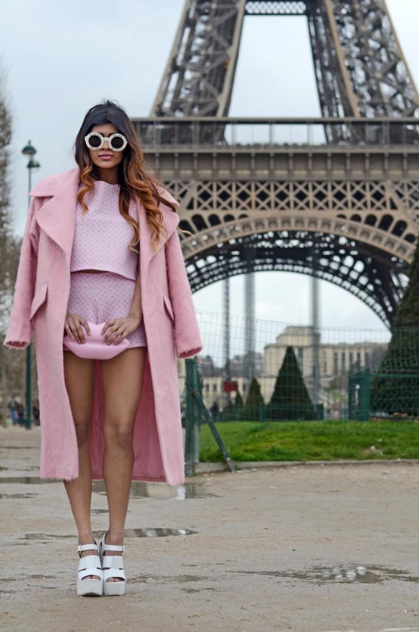 she wears fashion t-shirt shorts coat bag shoes sunglasses jewels