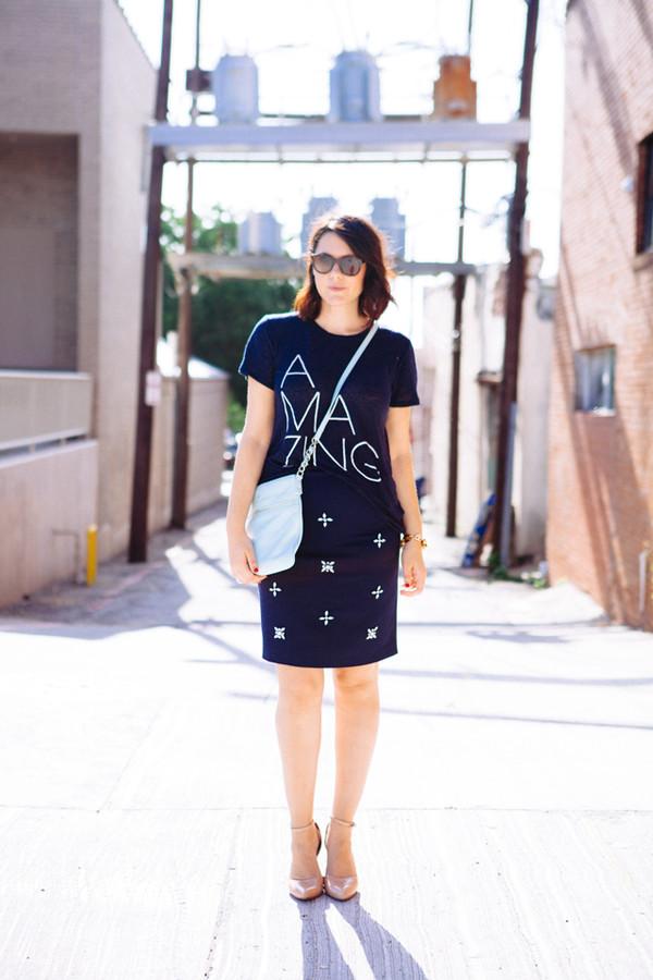 kendi everyday skirt t-shirt shoes jewels sunglasses