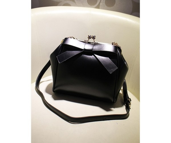 bag black bow leather clutch clubwear night outfit evening outfits