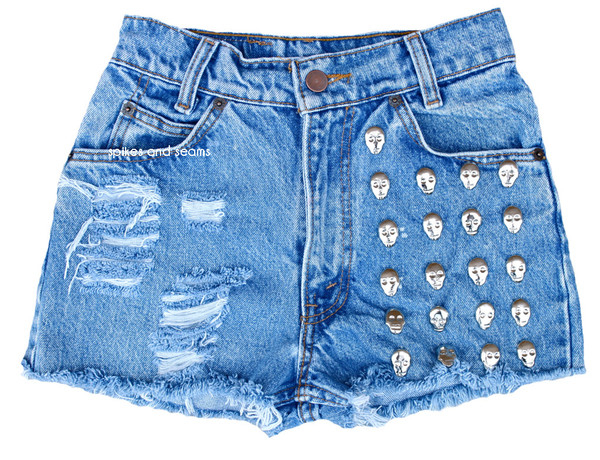 Skull Studded                           | Spikes and Seams