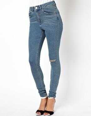 ASOS | Голубые рваные джинсы с завышенной талией ASOS Ridley на ASOS