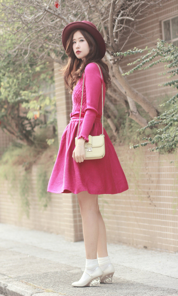 mellow mayo hat t-shirt sweater dress bag shoes skirt
