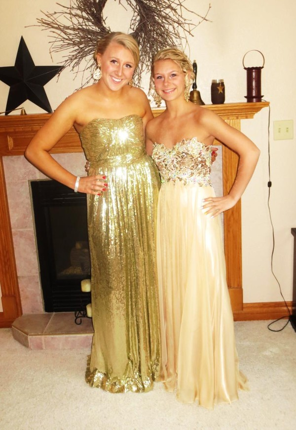 dress long prom dress prom dress prom dress gold gold sequins flowers homecoming dress homecoming homecoming dress prom gown evening dress evening dress long evening dress