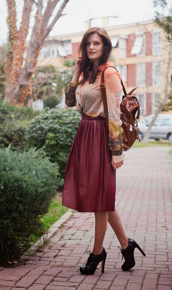 the bow-tie blouse skirt