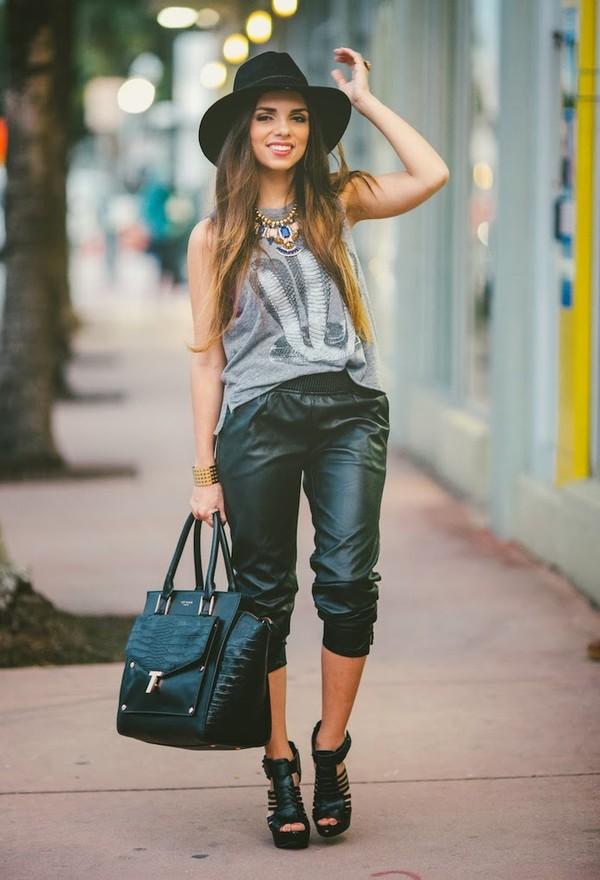 nany's klozet pants t-shirt hat jewels shoes bag