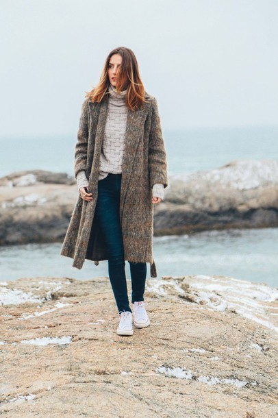 prosecco and plaid blogger long coat winter coat oversized turtleneck sweater sweater jeans make-up jewels coat grey oversized coat