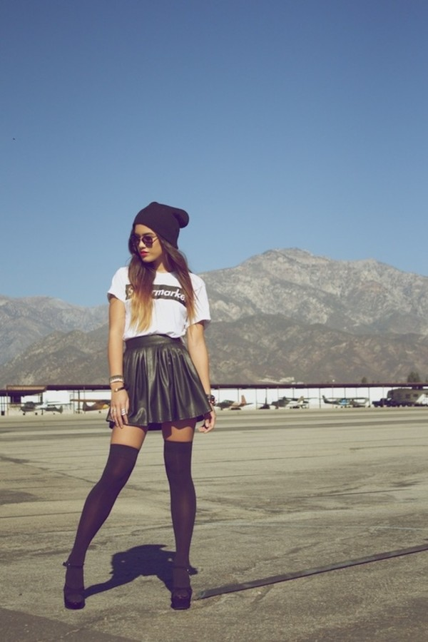 skirt shirt skater skirt beanie high heels knee high socks underwear