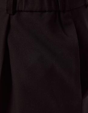 ASOS   Pantalones elegantes de pinzas con detalle de cintura fruncida de ASOS en ASOS