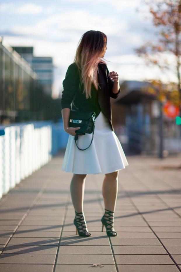 White Skirt Minimalism | Closet VoyageCloset Voyage