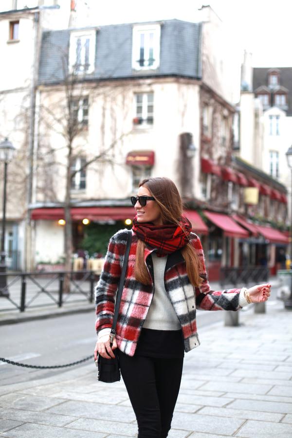 b a r t a b a c coat sweater jeans t-shirt shoes bag sunglasses scarf jewels