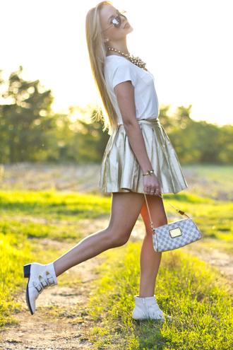 cablook skirt shoes t-shirt jewels bag sunglasses