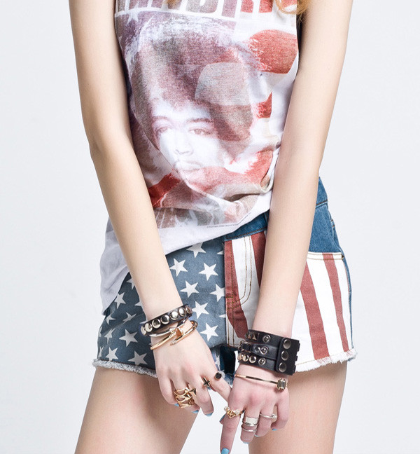 shorts flag shorts top vest summer outfits streetstyle streetstyle cute teen bracelets