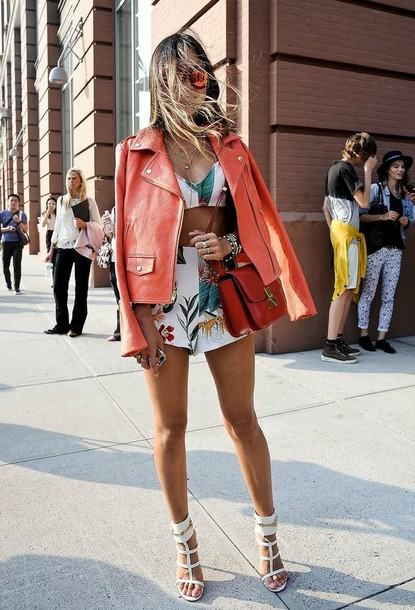 shorts flowers pink white green matching shorts and top crop tops summer outfits girly long hair blonde hair sunglasses pink leather jacket tanned girl red bag tank top shoes bag jacket sunglasses tropical cara delevingne letter vs angel cameo floral native botcanical