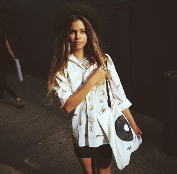 blouse mimi necklace hat bag