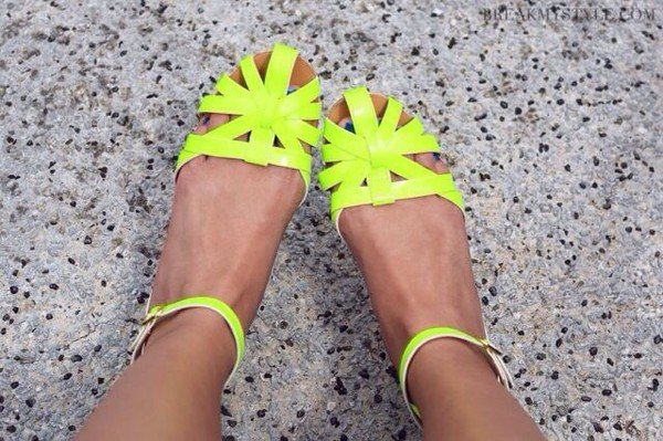shoes flat sandals sandals neon yellow yellow flats neon pretty cute beach shoes green lime retro