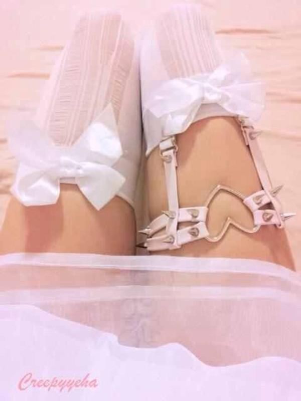 belt garter belt