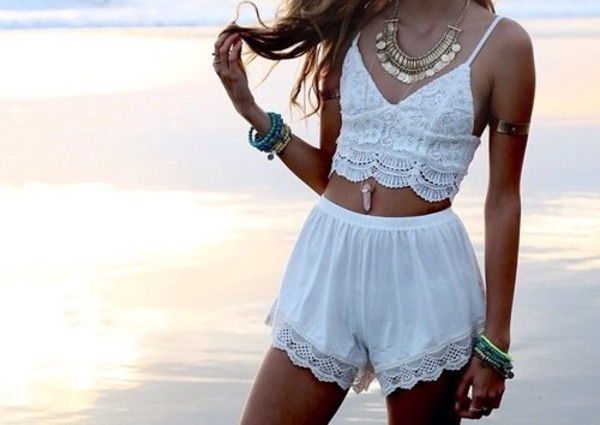 floral white crop tops shorts crochet crop top top jewels blouse crochet spaghetti strap top cami top beach party cute lace noir croptopwhite summer outfits white shorts whiteskort whole oufit two-piece boho dress hippie white shirt style summer top pom pom shorts
