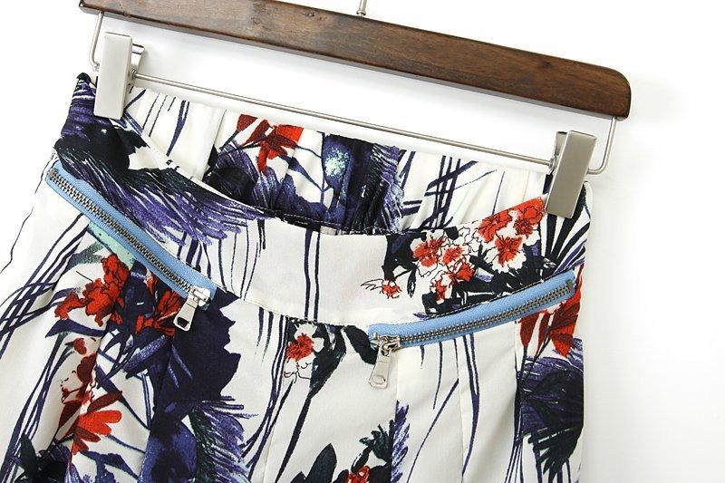 White Zipper Embellished Floral Pant - Sheinside.com