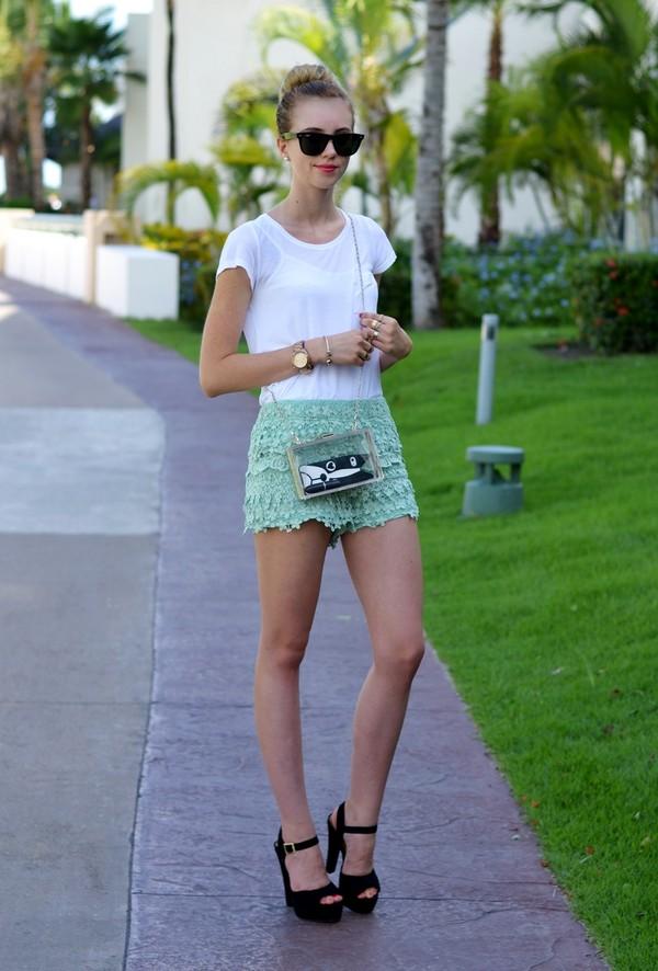 vogue haus t-shirt shorts shoes bag jewels sunglasses