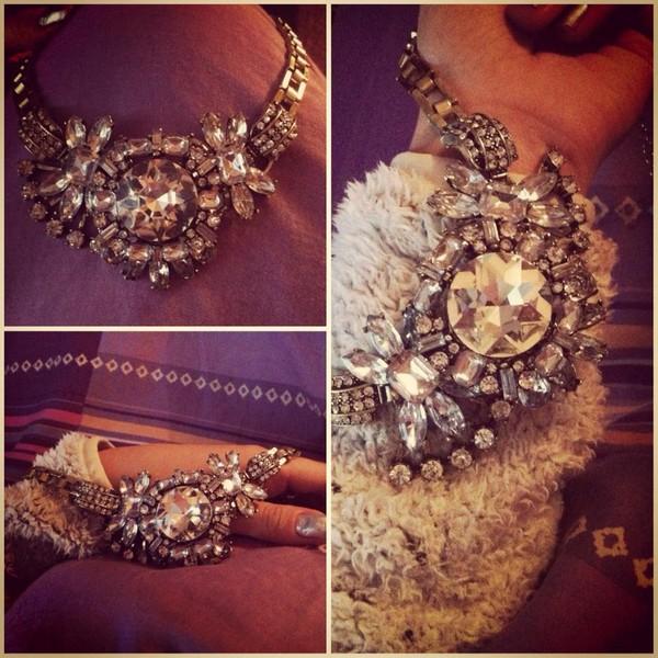 jewels jewelry jewels diamonds diamonds crystal crystal necklace gold silver silver necklace gold necklace diamond necklace look trendy girl present gift ideas application gold applications