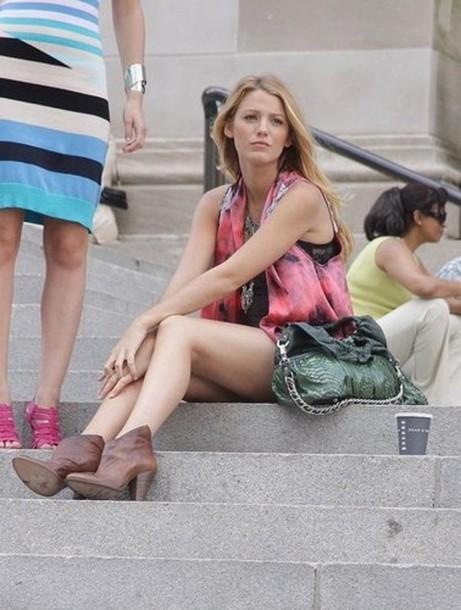 medium heels low boots gossip girl serena van der woodsen brown shoes shoes jacket blake lively emblished serena pink jacket black jacket tie dye