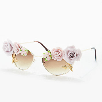 Tnemnroda Loves Floral Sunglasses in Gold - Urban Outfitters on Wanelo