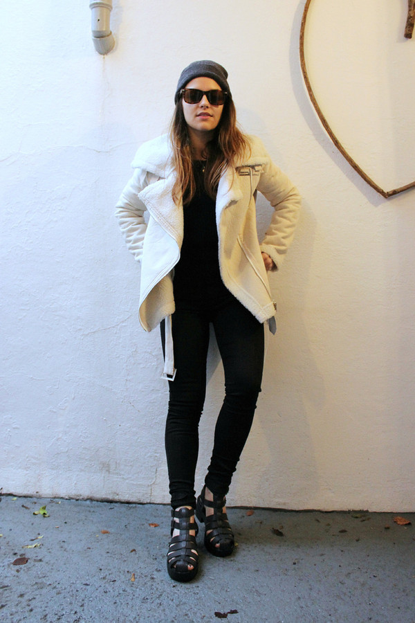 the little magpie jacket sweater hat jeans shoes