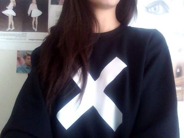 sweater swag hipster cute black white black and white dope soft grunge shirt sweatshirt the xx