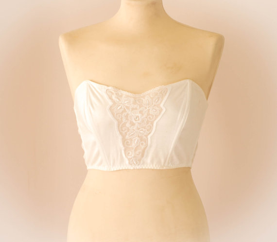 Vintage White Cotton Cropped Lace Bustier. U.K by UpsideDownKisses