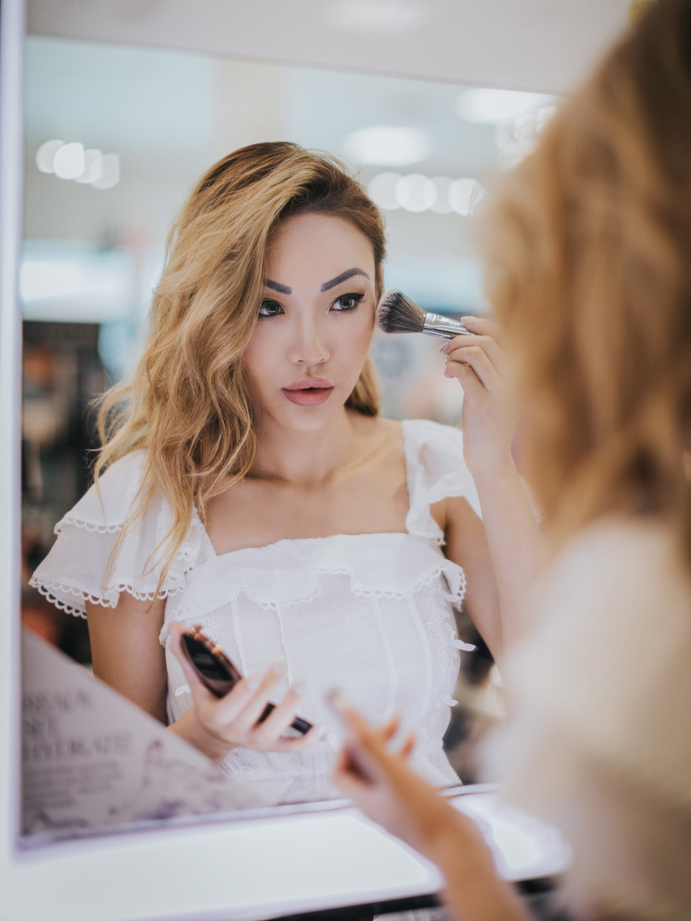 Contouring Jawline With Makeup - Wheretoget