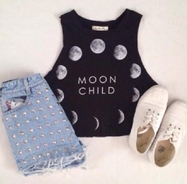 shorts t-shirt shoes moon