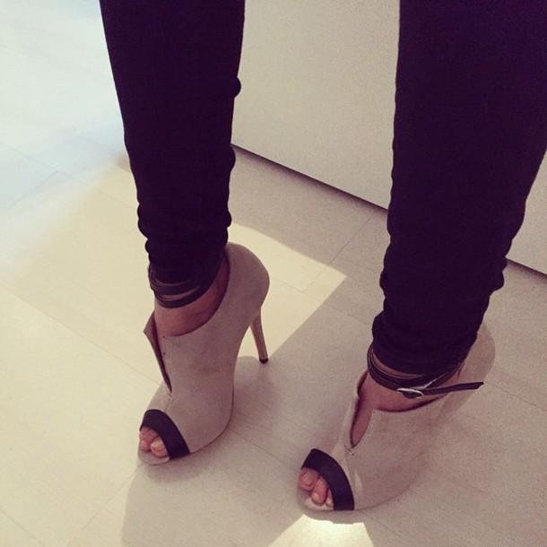 shoes beige black