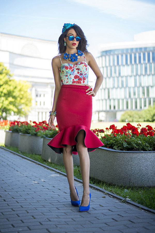 macademian girl top skirt shoes jewels sunglasses