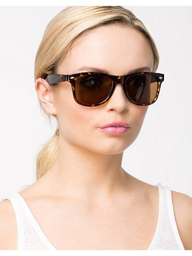 Sunglasses Classic - Nly Accessories - Brun - Solbriller - Tilbehør - Kvinne - Nelly.com
