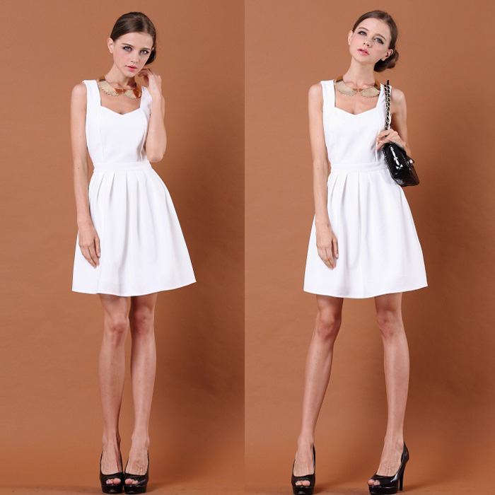 Free Shipping Women Dress Fashion Back Heart Hollow out Sleeve Pleated Dress Black/White S/M/L-inDresses from Apparel & Accessories on Aliexpress.com