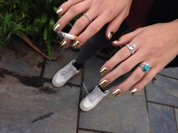 jewels ring jewells nail polish nike sneakers