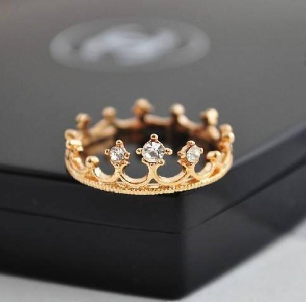 jewels ring jewelry gold tiara crown ring princess princess crown ring www.dazzled247.storenvy.com gold crown ring ring crown beautiful
