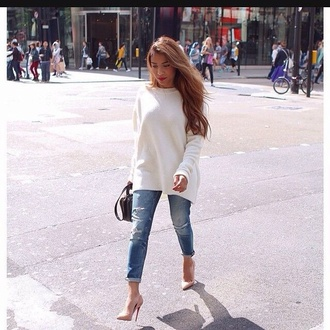 classy fall outfits jeans boyfriend jeans heels louboutin shoes