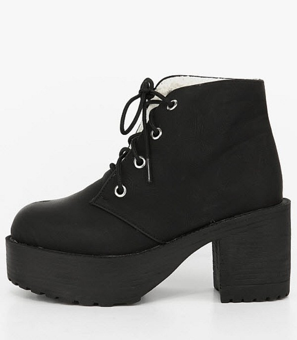 shoes boots heels combat 90s style grunge warm winter outfits fleece chunky platform shoes