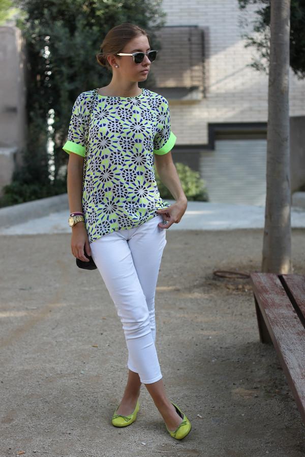 say queen t-shirt pants bag sunglasses shoes
