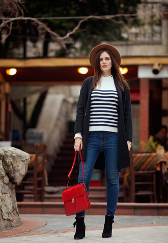 the bow-tie blogger cardigan sweater jeans bag shoes hat red bag shoulder bag felt hat winter outfits ankle boots
