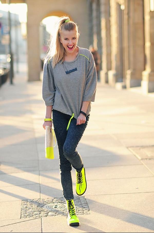 meri wild blouse jeans bag jewels shoes