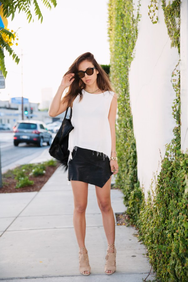 fashion toast sunglasses skirt shoes bag leather black fashion blogger blogger streetstyle