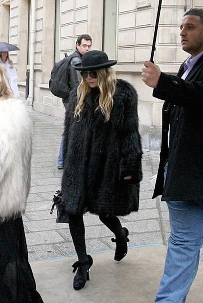 olsen sisters blogger hat black coat coat sunglasses tights