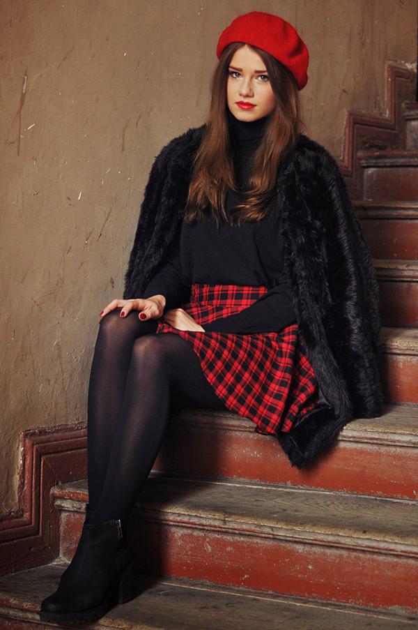 skinny liar hat sweater skirt jewels shoes