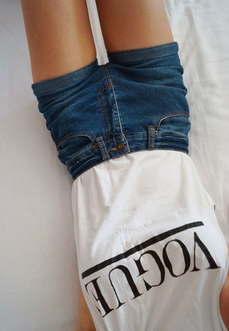 shorts jeans high waisted shorts denim shorts top white t-shirt white t-shirt black letters vogue shirt high waisted denim shorts dark wash cute shorts denim tank top oh my vogue dark black blue print summer outfits pants summer top blue shorts high waisted blue shorts