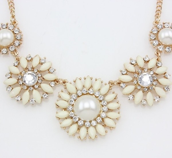 jewels necklace pearl diamonds cream gold chain statement necklace bold necklace vintage