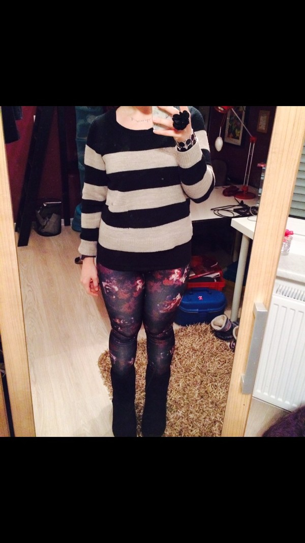 pants floral pink outfit cute stripes sweater black boots ugg boots jewelry ring flowers pretty